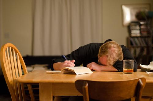 甲状腺機能低下症の原因とは。食事で気をつけなければイケナイ事。
