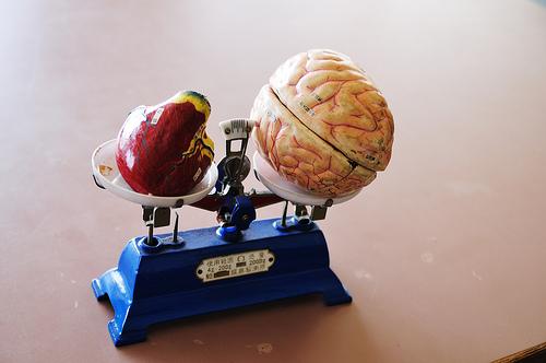 レビー小体型認知症になる原因とパーキンソン病との違いとは