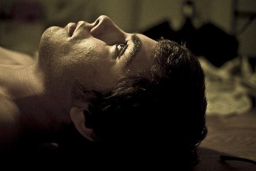 不整脈はストレスが原因!?治療薬はある?不眠症にも陥る可能性