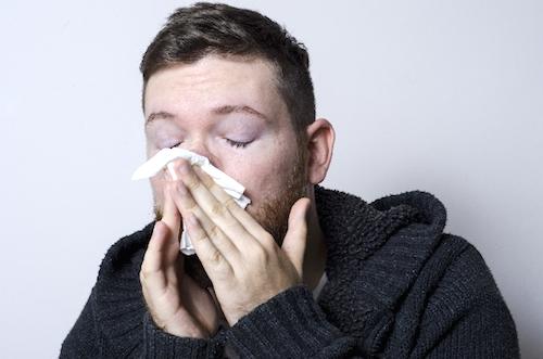 副鼻腔炎の原因はストレスや疲れ?歯やたばこも関係ある?