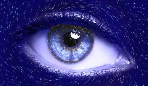 視力が回復する食べ物って何がある?目薬で視力アップ?