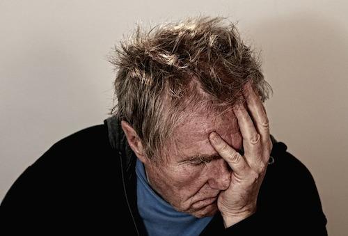 胃潰瘍とストレスの関係は?初期症状どんな痛みが起こる?