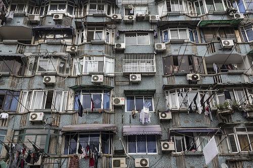エアコンいっぱいのアパート