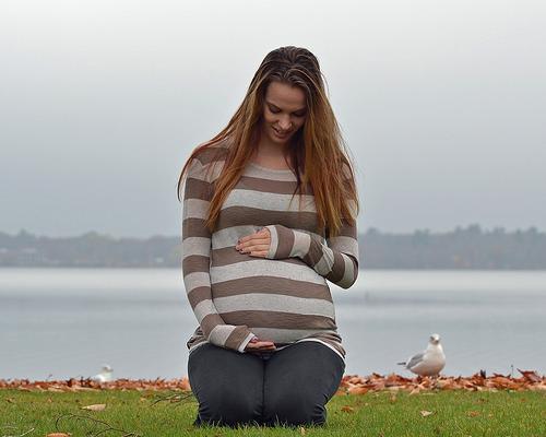 妊娠時に空腹になるとナゼ吐き気が?初期と後期で違いは?