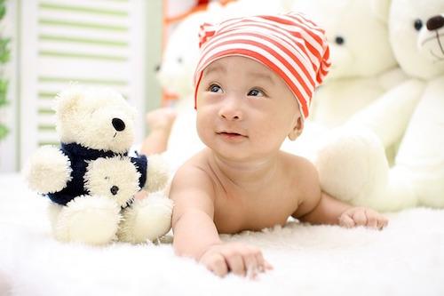 赤ちゃんの首のあせも対策と治し方☆やっぱりベビーパウダー?
