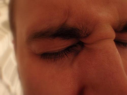 バリウムの副作用ってどんな症状?腹痛や頭痛,発熱もある?