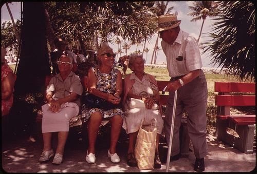 クリスマス会で老人が盛り上がる高齢者ゲームはコレ!