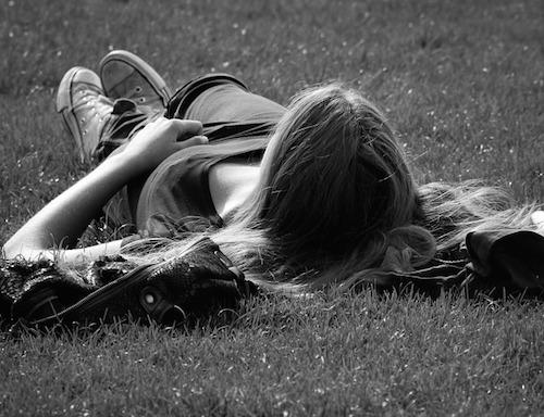 体内時計をリセットして睡眠を調整する方法。日光をウマく使う?
