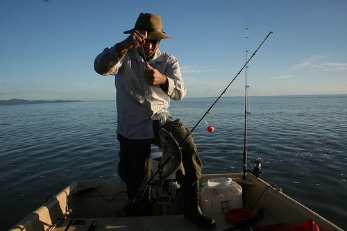 魚群探知機の仕組みと使い方!川釣りでもできる?アプリもある?