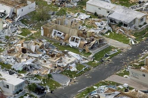地震で家屋倒壊する震度の強さ – 対策どうする?家にいる?逃げる?