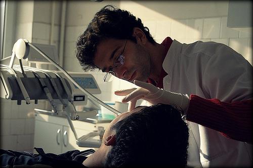 歯が溶ける!酸蝕症の原因と治療。歯磨きで予防できないの?