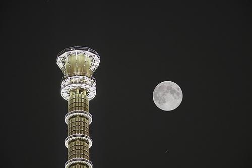 中秋の名月 食べ物の由来とは。満月の夜に食べたいもの。