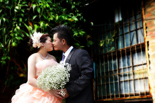 結婚で「年貢の納め時」の意味は?由来と語源。英語で何と言う?