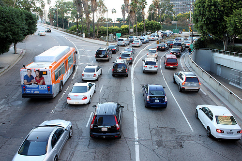 高速道路の渋滞予測情報サイトここをチェック!カレンダー式が便利。
