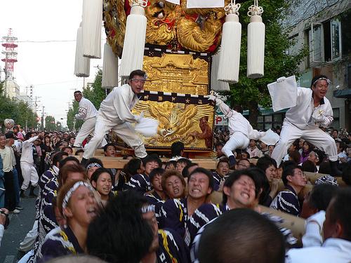 喧嘩スゴい!?新居浜太鼓祭り2016日程と掲示板。死亡事故起こる?