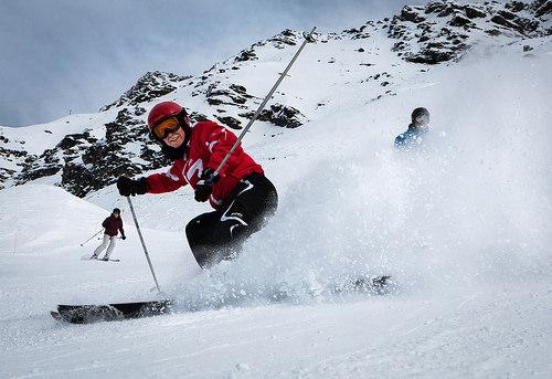 スキーヘルメットの必要性と選び方。子供におすすめ人気の軽量タイプ