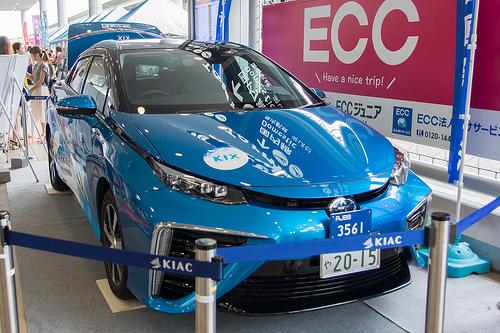 燃料電池車の仕組みと燃費について。普及する課題点とは