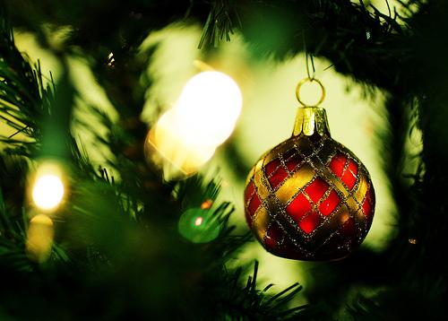 クリスマスオーナメント ボールを手作り!作り方のコツ。ガラスでは?
