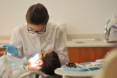 歯のフッ素塗布コーティング副作用は?危険性の真実は?効果は如何程