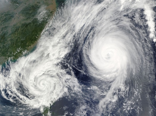 台風の進路予測で示される円は何を表わす?暴風域どのくらいの範囲?
