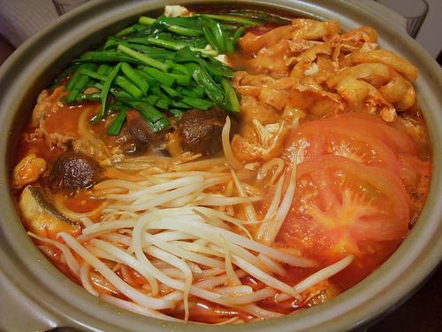 日本の鍋の種類ランキング!味付けと具材はどんなものが ...