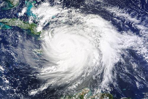 ハリケーンと台風の違いは!?比較したら強さの違いハッキリ!!アメリカ多い理由とは